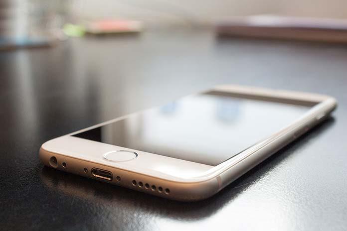 Szkło hartowane iPhone 8 Plus – czy zamienniki dorównują oryginałowi