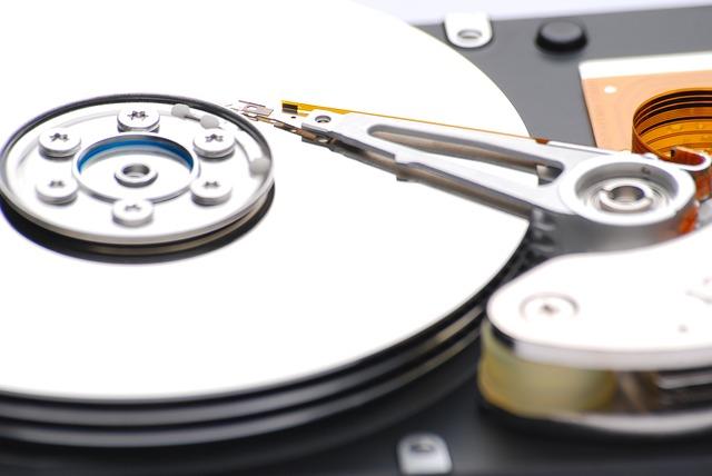 Tradycyjne kasowanie danych z dysków to za mało